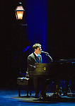 Harry Connick Jr. at the Von Braun Center Concert Hall.  Bob Gathany photo.