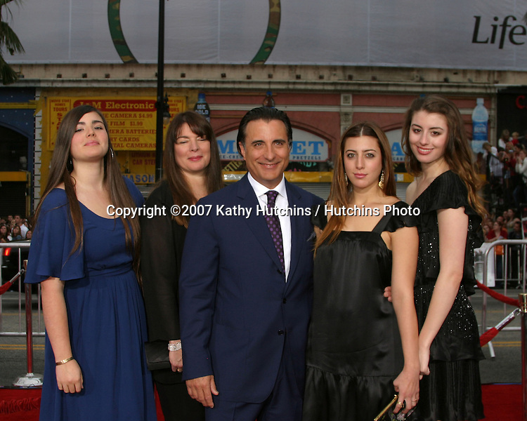 """Andy Garcia & Family.""""Ocean's Thirteen"""" Los Angeles Premiere.Gruman's Chinese Theater.Los Angeles, CA.June 5, 2007.©2007 Kathy Hutchins / Hutchins Photo...."""