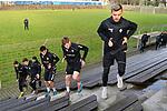 Die Mannschaft bei einer Uebung an der Treppe v.r. Waldhofs Maurice Deville (Nr.14), Waldhofs Max Christiansen (Nr.13), Waldhofs Mounir Bouziane (Nr.19), Waldhofs Raffael Korte (Nr.7) und Waldhofs Michael Schultz (Nr.23)  beim Auftaktstraining in der 3. Liga des SV Waldhof Mannheim.<br /> <br /> Foto © PIX-Sportfotos *** Foto ist honorarpflichtig! *** Auf Anfrage in hoeherer Qualitaet/Aufloesung. Belegexemplar erbeten. Veroeffentlichung ausschliesslich fuer journalistisch-publizistische Zwecke. For editorial use only.