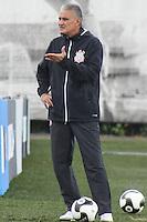 SÃO PAULO, SP, 11.03.2016 - FUTEBOL-CORINTHIANS - Tite treinador do Corinthians durante sessão de treinamento no Centro de Treinamento Joaquim Grava na região leste de São Paulo nesta sexta-feira, 11. (Foto: Marcos Moraes/Brazil Photo Press)