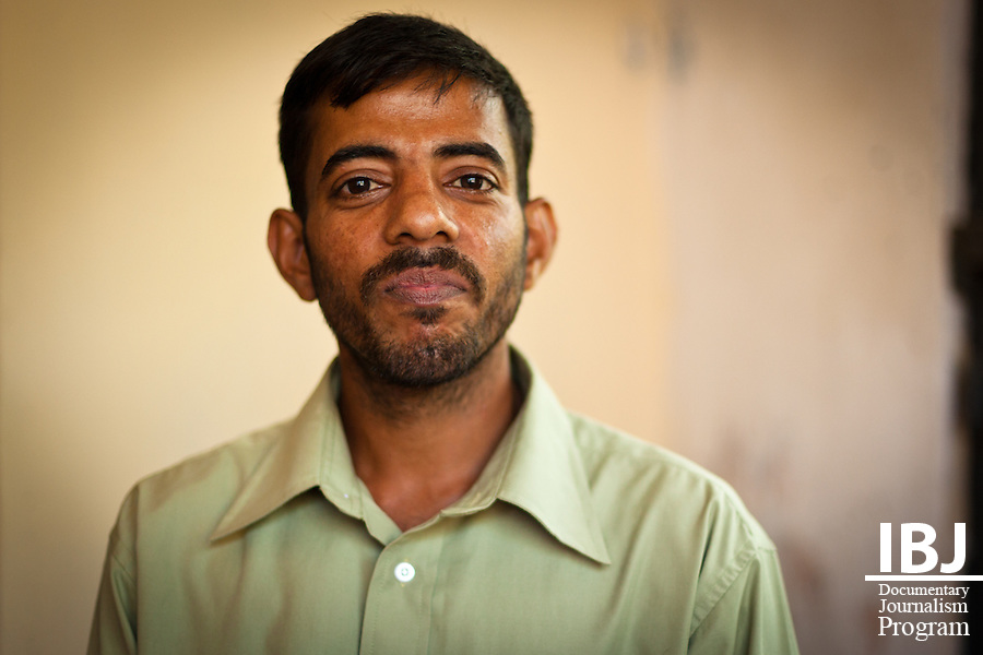Galle, Sri Lanka: Victims of police brutality and abuse of power by public officials get together for a support meeting.<br /> <br /> B.N. Abeysekara - Police officers broke down the doors and windows of his house, and assaulted him and his wife.  Both sat in remand prison in difficult conditions.