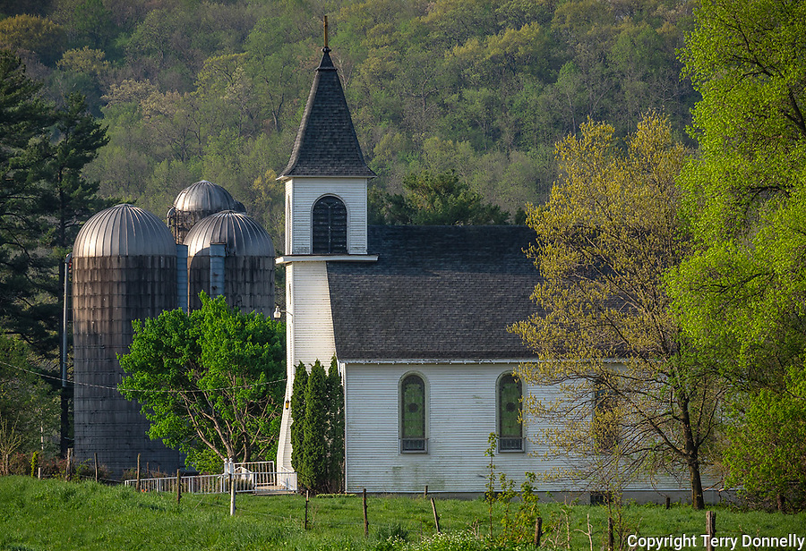 Iowa County, Wisconsin:<br /> St. John the Baptist church in Arena township