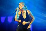 VINILA VON BISMARK visita THE HOLE ZERO para presentar su nuevo album 'Motel Llamado Mentira'. <br /> Chambao &amp; Vinila Von Bismark.