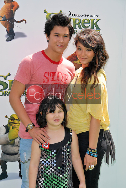 """Booboo Stewart and Fivel Stewart<br /> at the """"Shrek Forever After"""" Los Angeles Premiere, Gibson Amphitheater, Universal City, CA. 05-16-10<br /> David Edwards/DailyCeleb.com 818-249-4998"""