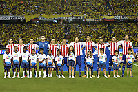 BARRANQUILLA - COLOMBIA - 05-10-2017:  Jugadores de Paraguay durante los actos protocolarios previo al partido por la fecha 17 de la clasificatoria a la Copa Mundial de la FIFA Rusia 2018 jugado en el estadio Metropolitano Roberto Melendez en Barranquilla. / Players of Paraguay during the formal events prior a match for the date 17 of the qualifier to FIFA World Cup Russia 2018 played at Metropolitan stadium Roberto Melendez in Barranquilla. Photo: VizzorImage/ Gabriel Aponte / Staff