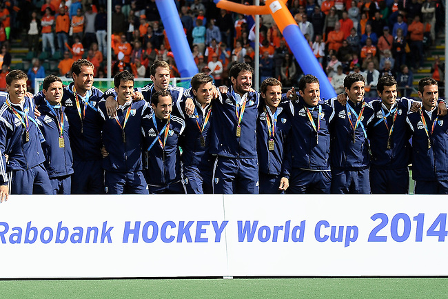 The Hague, Netherlands, June 15: Team of Argentina poses with their bronze medals during the prize giving ceremony on June 15, 2014 during the World Cup 2014 at Kyocera Stadium in The Hague, Netherlands. (Photo by Dirk Markgraf / www.265-images.com) *** Local caption ***