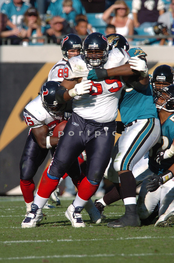 CHESTER PITTS, of the Houston Texans,during their game against  the Jacksonville Jaguars  on Novmeber 12, 2006 in Jacksonville, FL...Texans  win 13-10..Tomasso DeRosa / SportPics