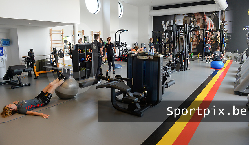 20170608 – TUBIZE , BELGIUM : illustration picture shows a part of the red flames team during a fitness and physical session at the fitnessroom of the Belgian national women's soccer team Red Flames trainingscamp to prepare for the Women's Euro 2017 in the Netherlands, on Thursday 8 June 2017 in Tubize.  PHOTO SPORTPIX.BE | DAVID CATRY