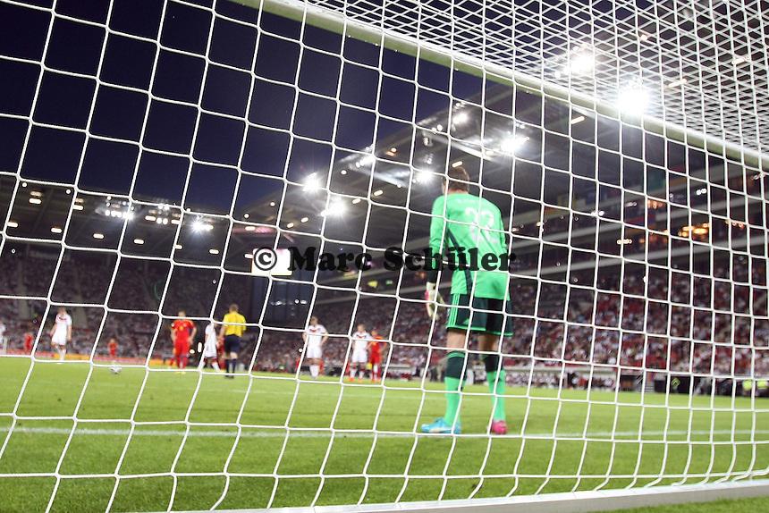 Roman Weidenfeller (D) steht bereit beim Elfmeter - Deutschland vs. Armenien in Mainz