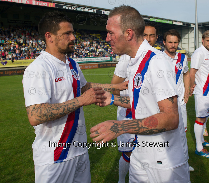 Fernando Ricksen Testimonial :  Fernando Ricksen with Nacho Novo before the match.