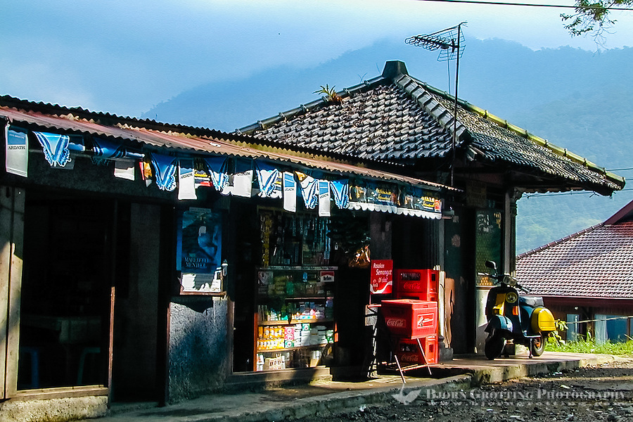 Indonesia, Java, Puncak. A shop on the east side of the Puncak Pass.