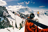 USA, Utah, skiers at the top of Eddie's High Nowhere, Alta Ski Resort