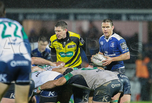 01.01.2016. RDS Arena, Dublin, Ireland. Guinness Pro 12 Leinster versus Connacht. Eoin Reddan of Leinster ready to put the ball into the scrum.