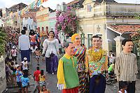 OLINDA, PE, 23.02.2014 - CARNAVAL / PERNAMBUCO / OLINDA - Folioes durante o bloco Os Tranquilos de Amparo nas ruas do Centro Historico de Olinda, neste domingo, 23. (Foto: Vanessa Carvalho / Brazil Photo Press).