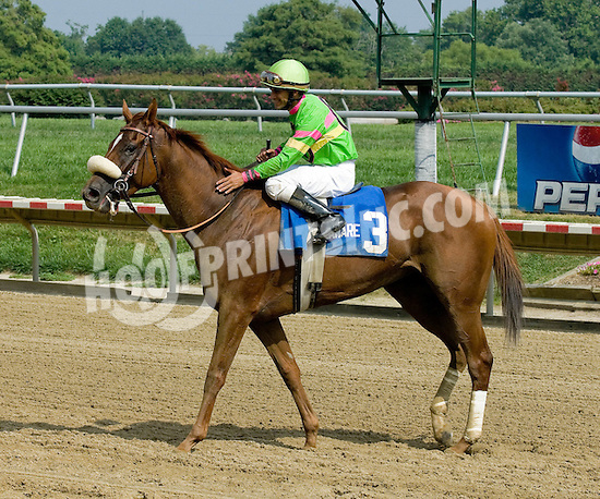 Mindy Sue winning The Dashing Beauty Stakes at Delaware Park on 8/4/10