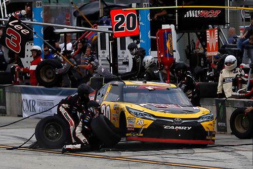 #20: Christopher Bell, Joe Gibbs Racing, Toyota Camry GameStop Transformers, pit stop