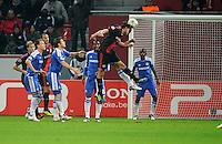 FUSSBALL   CHAMPIONS LEAGUE   SAISON 2011/2012   GRUPPENPHASE Bayer 04 Leverkusen - FC Chelsea    23.11.2011 Manuel FRIEDRICH (Mitte, Leverkusen) erzielt per Kopf das Tor zum 2:1