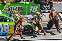 Matt Crafton pit stop, Daytona 500, NASCAR Sprint Cup Series, Daytona International Speedway, Daytona Beach, FL