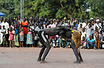 SOUTH SUDAN, Lakes State, village Mapourdit, Dinka celebrate harvest festival with dances and wrestling / SUED-SUDAN  Bahr el Ghazal region , Lakes State, Dorf Mapourdit , Dinka feiern ein Erntedankfest mit traditionellen Taenzen und Ringkaempfen