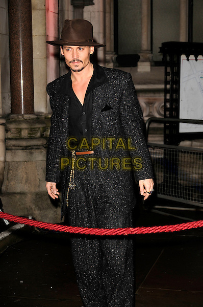 "JOHNNY DEPP.""Sweeney Todd: The Demon Barber of Fleet Street"" European film premiere, Odeon cinema, Leicester Square, London, England..January 10th, 2008 .full length grey gray tweed suit brown hat high waist 3/4 .CAP/CAN.©Can Nguyen/Capital Pictures"
