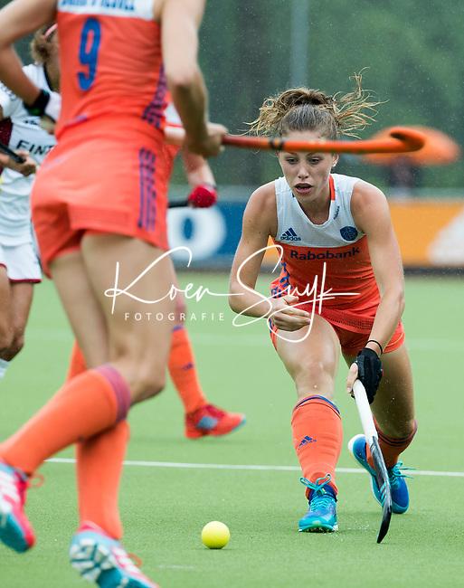 SCHIEDAM - Laura Nunnink (Ned)    tijdens een oefenwedstrijd tussen  de dames van Nederland en Belgie , in aanloop naar het  EK Hockey, eind augustus in Amstelveen. COPYRIGHT KOEN SUYK