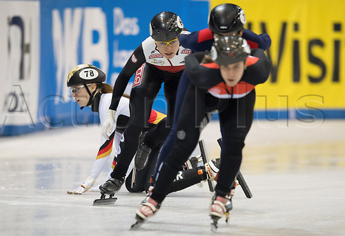 1st February 2019, Dresden, Saxony, Germany; World Short Track Speed Skating; 1000 meters women in the EnergieVerbund Arena. Gina Jacobs (l) from Germany crashes on a curve.
