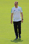 Doktor Tim Meyer beim Training der DFB Nationalmannschaft im Trainingslager Eppan in S&uuml;dtirol im Rahmen der Vorbereitung f&uuml;r die WM in Russland.<br /> <br />  / 2652018<br /> <br /> ***Training session of the German national team at Sportanlage Rungg at the Southern Tyrol Training Camp, Eppan, Italy - 26 May 2018***