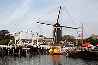 Het Galgewater en molen De Put in Leiden