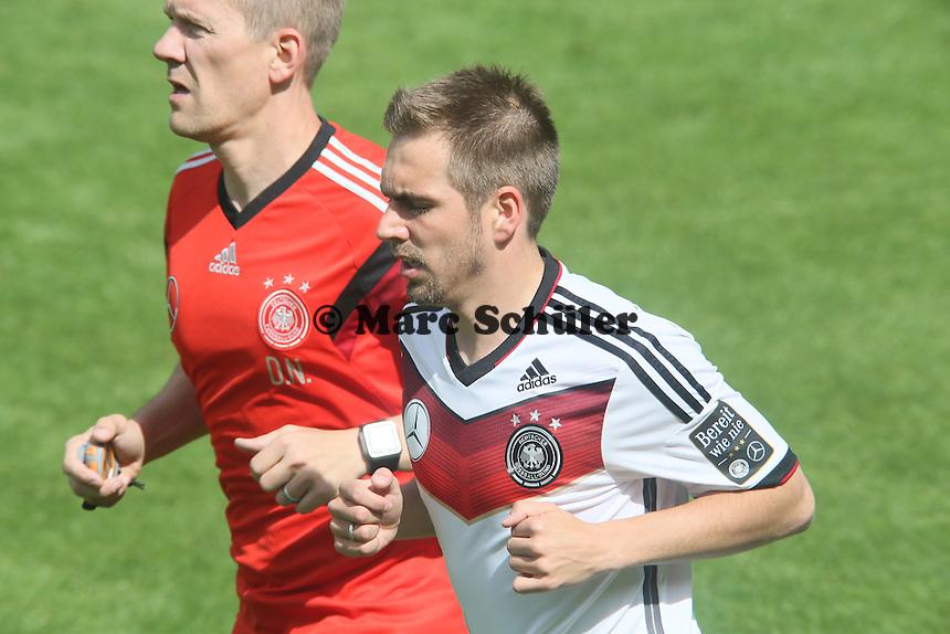 Lauftraining Philipp Lahm - Training der Deutschen Nationalmannschaft  zur WM-Vorbereitung in St. Martin