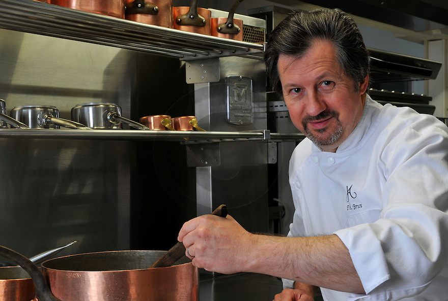 23/11/11 - PONT D ALLEYRAS - HAUTE LOIRE - FRANCE - Philippe Brun. Etablissement Le Haut Allier, une etoile au Michelin - Photo Jerome CHABANNE