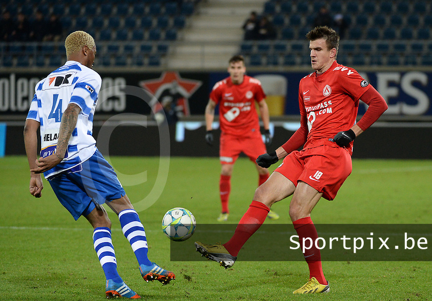 AA Gent - KV Kortrijk : Ivan Santini (rechts) tegenover Valery Nahayo (links)<br /> foto VDB / Bart Vandenbroucke