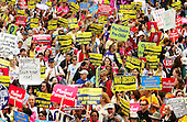 """A massive number of people participate in the """"March for Women's Lives"""" down Pennsylvania Avenue in Washington, DC on April 25, 2004..Credit: Ron Sachs / CNP"""