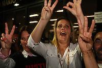 SAO PAULO, SP, 17 DE SETEMBRO DE 2013 -  CASO BIANCA CONSOLI. 31 anos foi a pena dada ao motoboy Sandro Dota (42), acusado de estuprar e matar a ex-cunhada, Bianca Consoli, quando ela tinha 19 anos, em 2011, pela Juíza Dra. Fernanda Afonso de Almeida proferiu a sentença, sendo 23 pelo assassinato e 08 pelo estupro, no Fórum Criminal Ministro Mário Guimarães – Barra Funda – zona oeste da Capital. Familiares e amigos comemoraram oa sentença. FOTO: MAURICIO CAMARGO / BRAZIL PHOTO PRESS