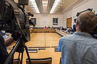 """Konstituierende Sitzung am 1. Sitzungstag des Untersuchungsausschuss """"BER II"""" des Berliner Abgeordnetenhaus am Freitag den 6. Juli 2018.<br /> Der Ausschuss soll die Ursachen, Konsequenzen und Verantwortung fuer die Kosten- und Terminueberschreitungen des im Bau befindlichen Flughafens """"Berlin Brandenburg Willy Brandt"""" aufklaeren.<br /> Im Bild: <br /> 6.7.2018, Berlin<br /> Copyright: Christian-Ditsch.de<br /> [Inhaltsveraendernde Manipulation des Fotos nur nach ausdruecklicher Genehmigung des Fotografen. Vereinbarungen ueber Abtretung von Persoenlichkeitsrechten/Model Release der abgebildeten Person/Personen liegen nicht vor. NO MODEL RELEASE! Nur fuer Redaktionelle Zwecke. Don't publish without copyright Christian-Ditsch.de, Veroeffentlichung nur mit Fotografennennung, sowie gegen Honorar, MwSt. und Beleg. Konto: I N G - D i B a, IBAN DE58500105175400192269, BIC INGDDEFFXXX, Kontakt: post@christian-ditsch.de<br /> Bei der Bearbeitung der Dateiinformationen darf die Urheberkennzeichnung in den EXIF- und  IPTC-Daten nicht entfernt werden, diese sind in digitalen Medien nach §95c UrhG rechtlich geschuetzt. Der Urhebervermerk wird gemaess §13 UrhG verlangt.]"""
