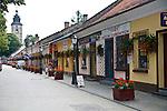 Ulica Kazimierza Wielkiego, w głębi kościół parafialny p.w. Św. Elżbiety, Stary Sącz
