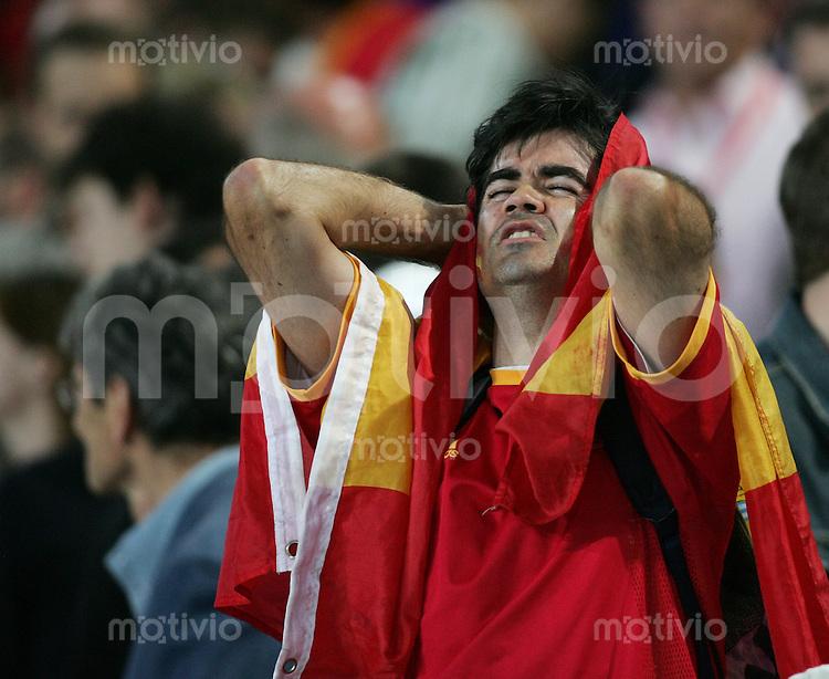Fussball WM 2006 Achtelfinale  Spanien - Frankreich Enttaeuschter Spanien-Fan