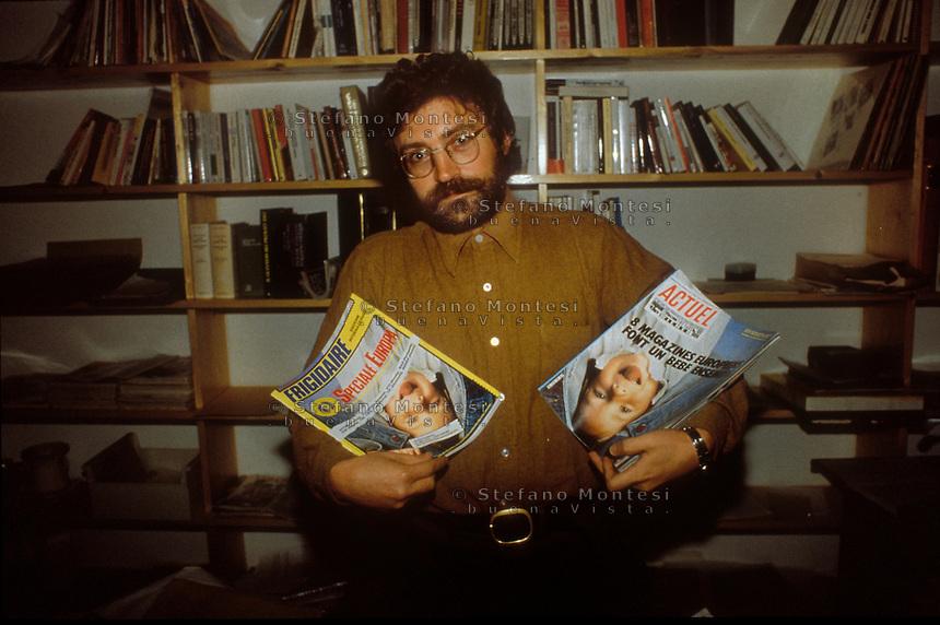 Roma 1983.Vincenzo Sparagna, Direttore della rivista Frigidaire che celebra i trent'anni, fondata nel 1980  fotografato nella redazione del giornale