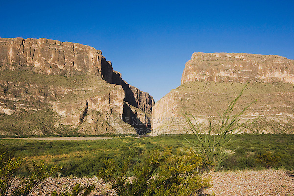 Santa Elena Canyon, Chisos Mountains, Big Bend National Park, Chihuahuan Desert, West Texas, USA