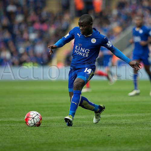 03.04.2016. King Power Stadium, Leicester, England. Barclays Premier League. Leicester versus Southampton.  Leicester City midfielder N'Golo Kante' on the ball.