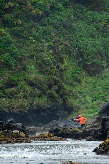 El pescador chilote / Ancud, Chiloé / Chile.<br /> <br /> Edición de 10 | Víctor Santamaría.