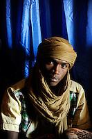 BURKINA FASO Dori, malian refugees, mostly Touaregs, in refugee camp Goudebo of UNHCR, they fled due to war and islamist terror in Northern Mali / BURKINA FASO Dori , malische Fluechtlinge, vorwiegend Tuaregs, im Fluechtlingslager Goudebo des UN Hilfswerks UNHCR, sie sind vor dem Krieg und islamistischem Terror aus ihrer Heimat in Nordmali geflohen, Tuareg KAMIS AG IBDADIAHI aus Gao