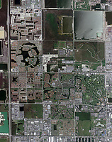 aerial photo map of development grid in Miami, Florida, 2007.  For more recent imagery of the same view or other historical imagery, please contact Aerial Archives directly.