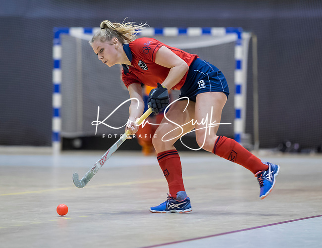 ROTTERDAM  - NK Zaalhockey . finale dames hoofdklasse: hdm-Laren 2-1. hdm landskampioen. Lisanne de Lange (Lar).  COPYRIGHT KOEN SUYK