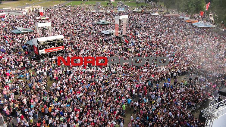 13.07.2013, City, Vechta, GER, NDR on Tour 13.07.2013 Vechta, <br /> <br /> Foto &copy; KFOTO / nph / Kokenge