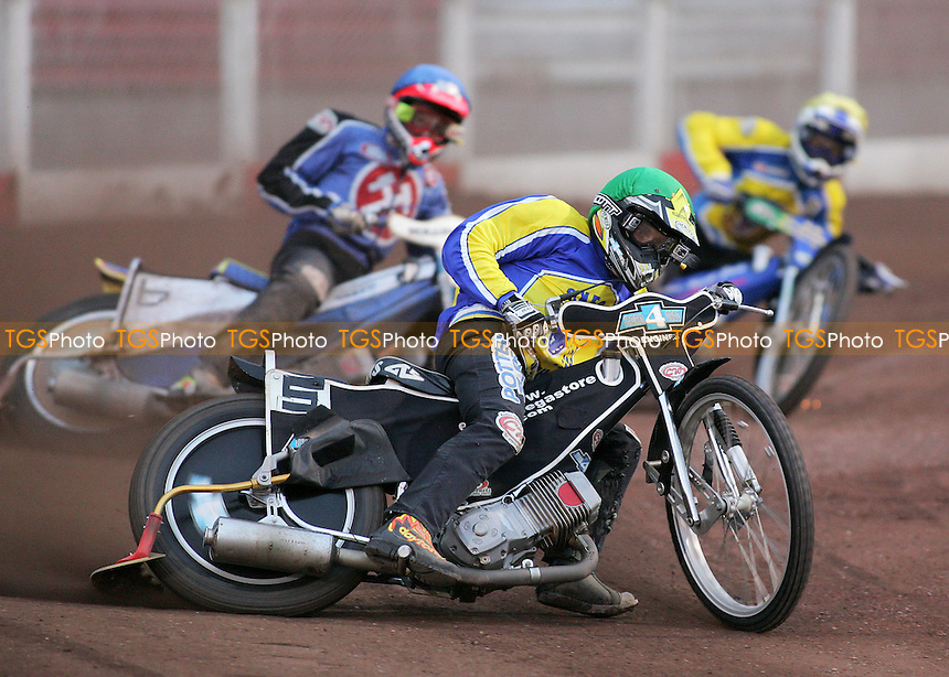 Heat 6 - Chris Louis ahead of Henning Bager (red) and Lubos Tomicek - Arena Essex Hammers vs Oxford Cheetahs - Elite League 'A' Fixture - 02/08/06 - (Gavin Ellis 2006)