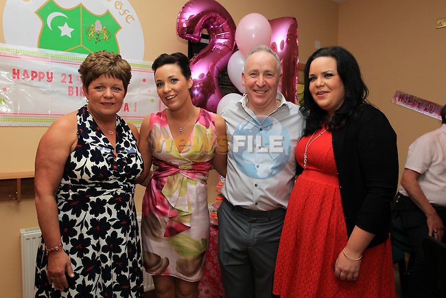 Kiera Tiernan celebrating her 21TH. With Sister Rachel and parents Vivenne and David..Picture Fran Caffrey www.newsfile.ie..