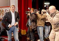 NAPOLI CAMPAGNA ELETTORALE PER IL BALLOTTAGGIO DELLE PRIMARIE DEL CENTROSINISTRA. NELA FOTO MATTEO RENZI. .FOTO CIRO DE LUCA