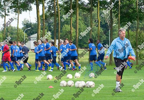 12/07/2012 ;  voetbal ; KV Turnhout ; Trainer Daniel Simmes met de voorbereiding voor het nieuwe seizoen.