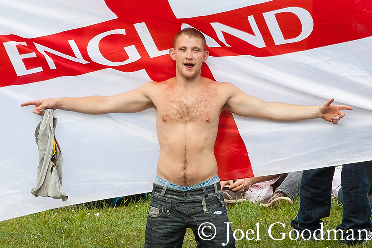 © Joel Goodman - 07973 332324 - all rights reserved . 17/07/2010 . Dudley , UK . The English Defence League ( EDL ) hold a demonstration in Dudley . Photo credit : Joel Goodman