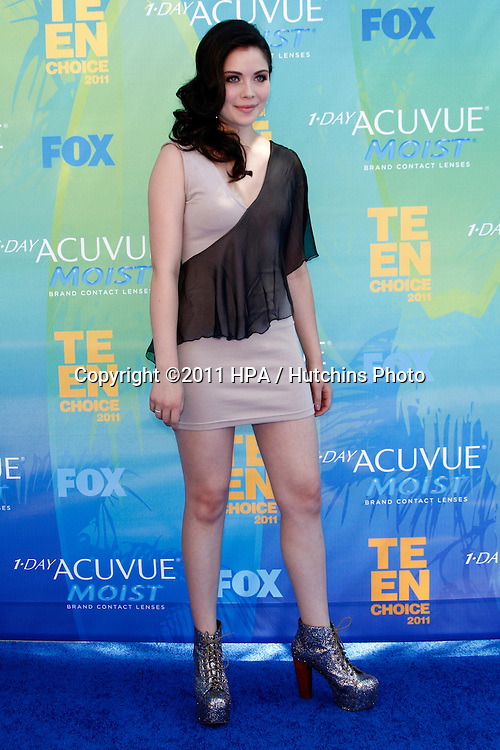 LOS ANGELES - AUG 7:  Grace Phipps arriving at the 2011 Teen Choice Awards at Gibson Amphitheatre on August 7, 2011 in Los Angeles, CA